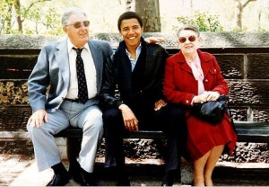 obamawithgrandparents-floating-hand