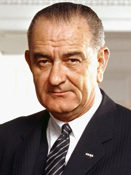 450px-37_Lyndon_Johnson_3x4