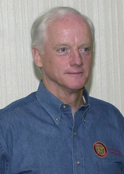 429px-Frank_Keating_at_a_conference,_Oct_20,_2001_-_cropped