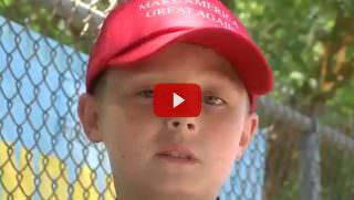 kid with trump hat
