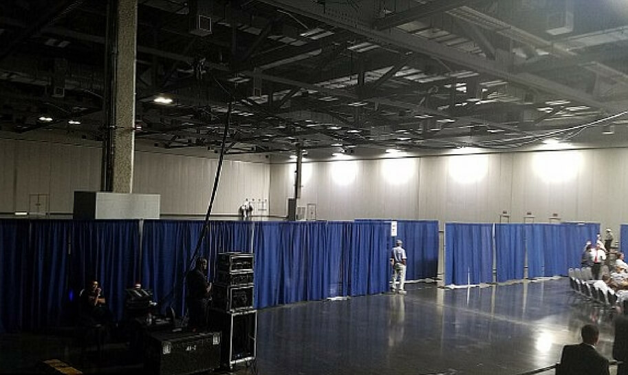 A blue curtain greatly reduced the space available for a Trump rally at the Greater Columbus Convention Center.