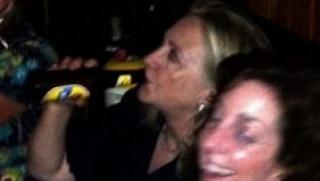 hillaryclinton-drinking