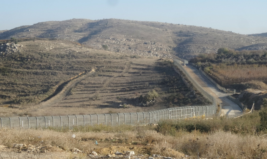 Syrian-Israeli border near Magdal Shams. Credit: Yochanan Visser