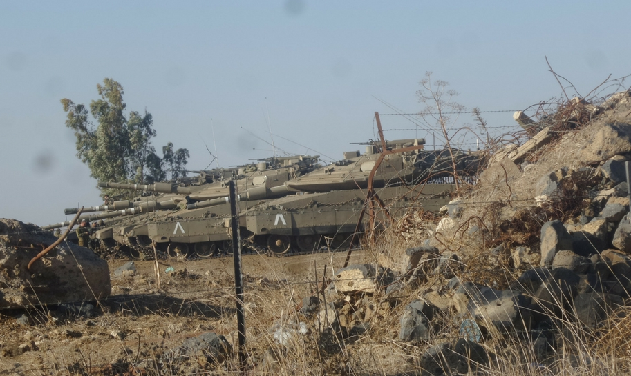 Israeli Merkava tanks on the Syrian Israeli border. Credit: Yochanan Visser