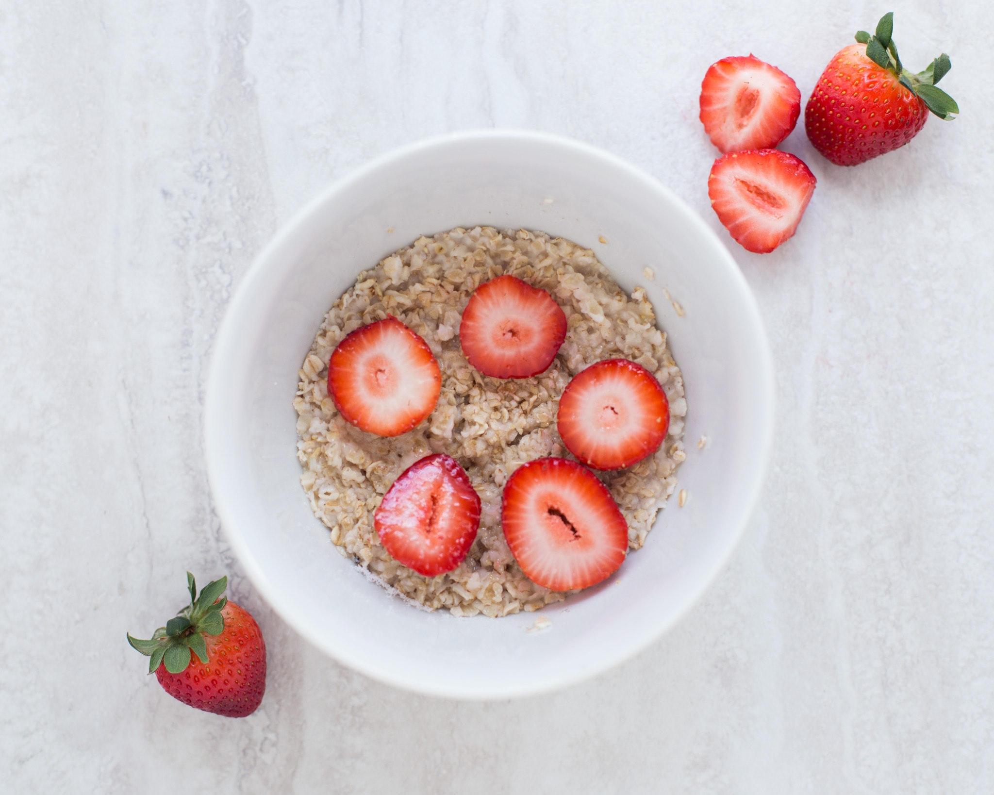 healthy back to school recipes: Overnight oats with berries