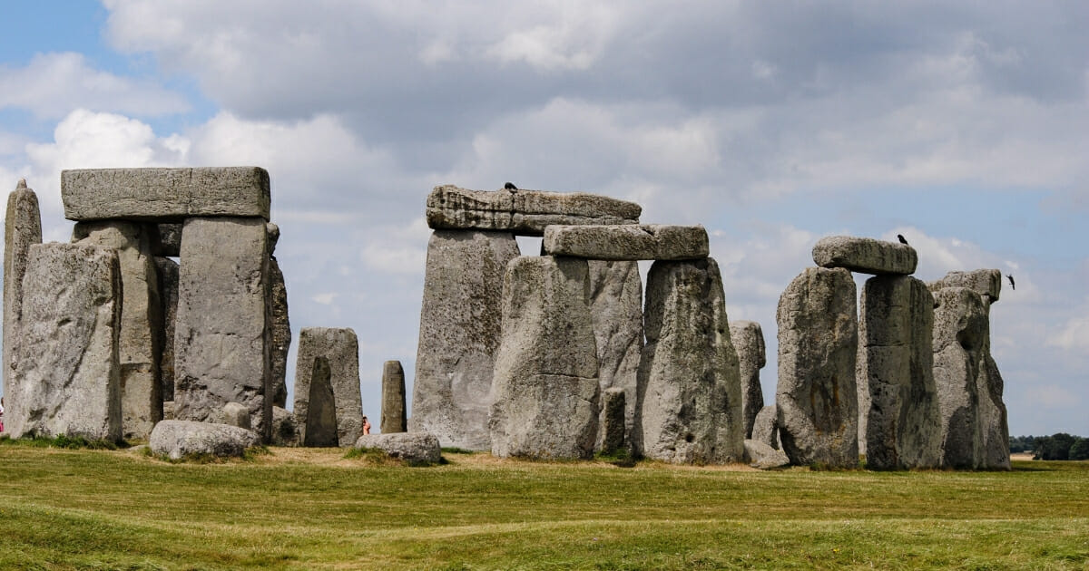 Scientists Break 5,000-Year Mystery, Uncover Origin of Stonehenge