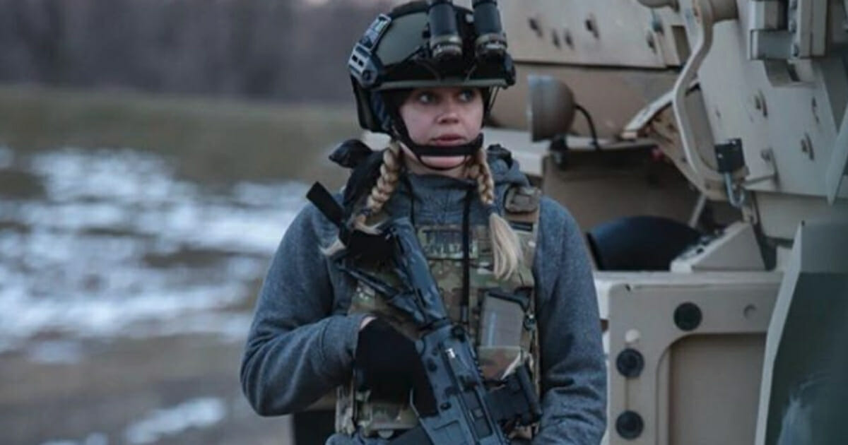 Former Disney Star Trades Fame for Fatigues, Enlists in US Army