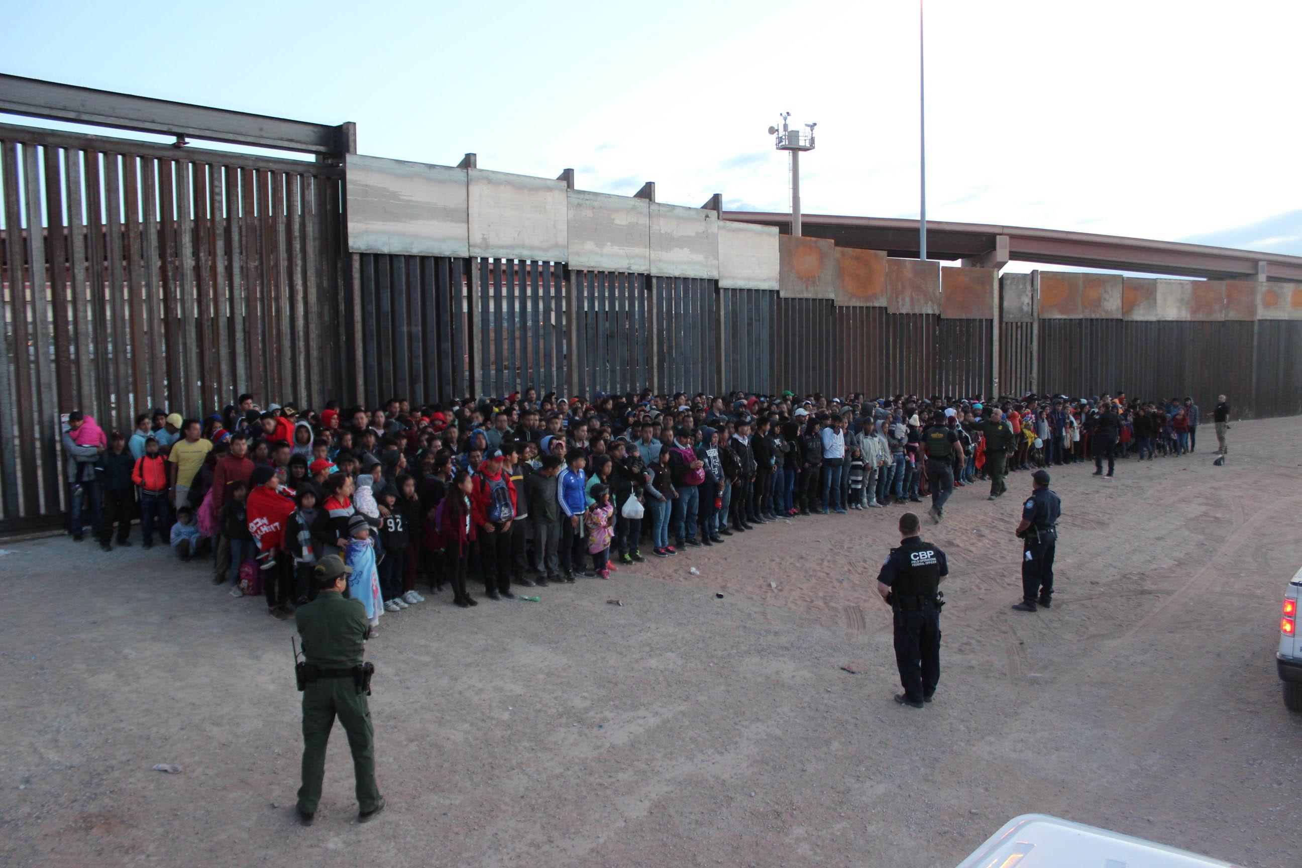 U.S. Border Patrol agents working in El Paso apprehend 1,036 illegal aliens on May 29, 2019.