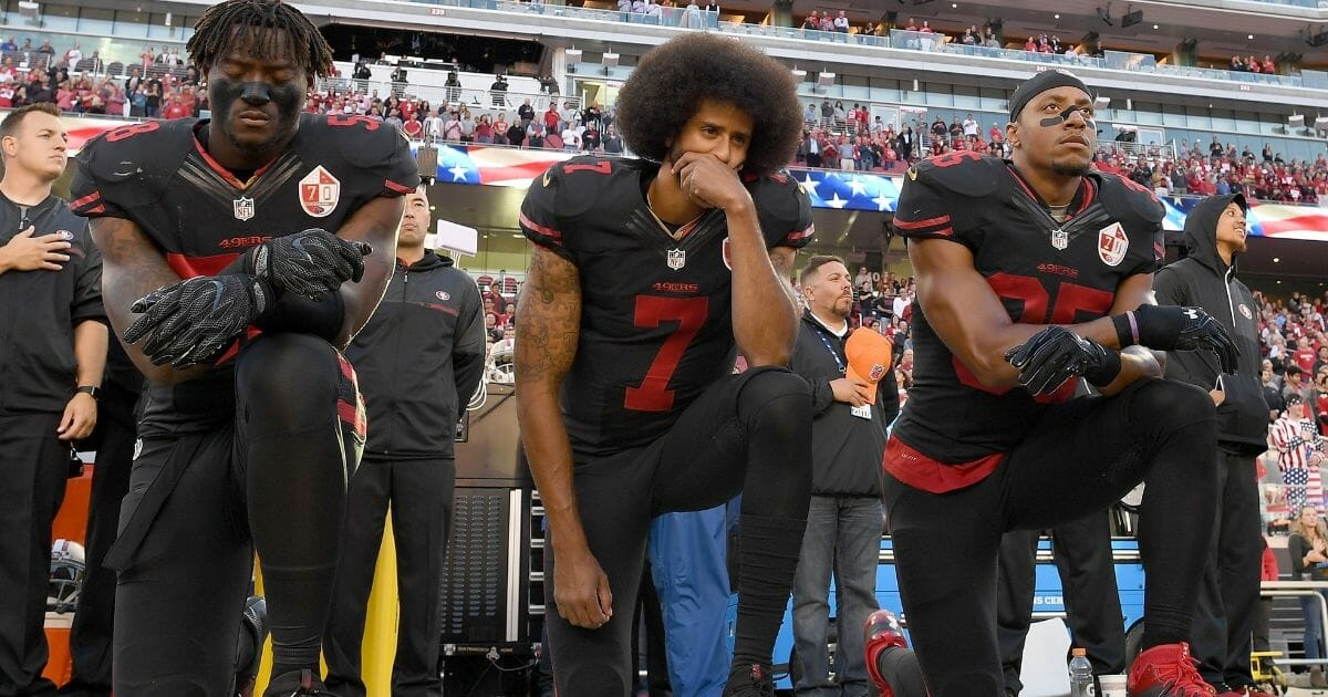 Kaepernick Cheers on Remaining NFL Anthem Kneelers as He's Passed Up for a 40-Year-Old Journeyman