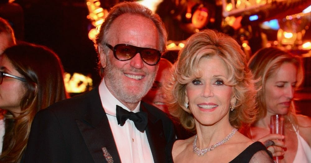 Actor Peter Fonda, Brother of Jane Fonda, Dead at Age 79