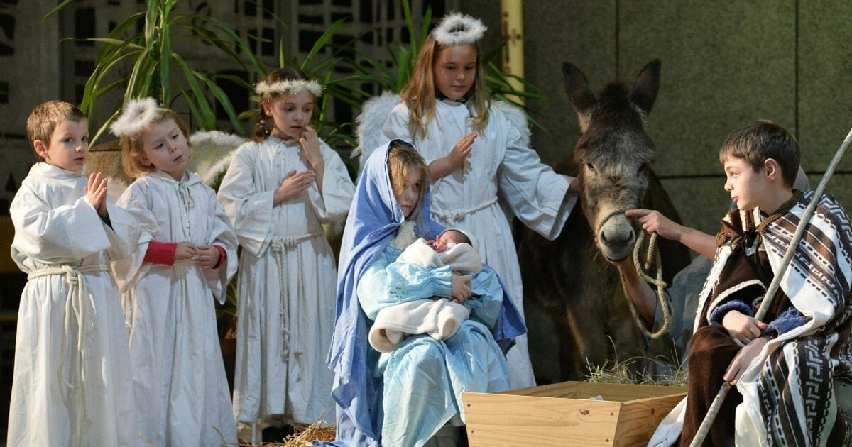 War on Christmas Continues as Angry Atheists Take Down Children's Nativity Scene at Okla. School