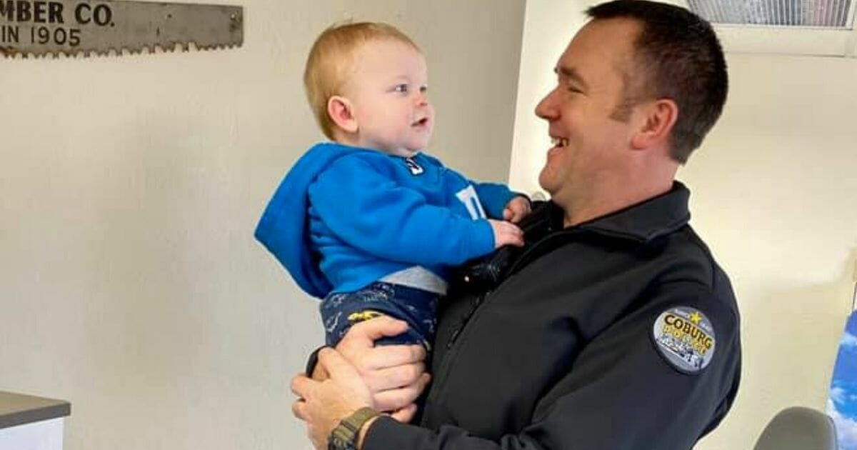 Mom Emotional Thanking Police Who Rescued Baby After He Falls 8′ Underground