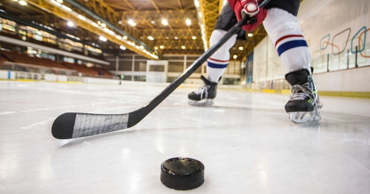 Dad Questions 'Gender-Identity' Training, Barred from Hockey Coaching in Canada: Report