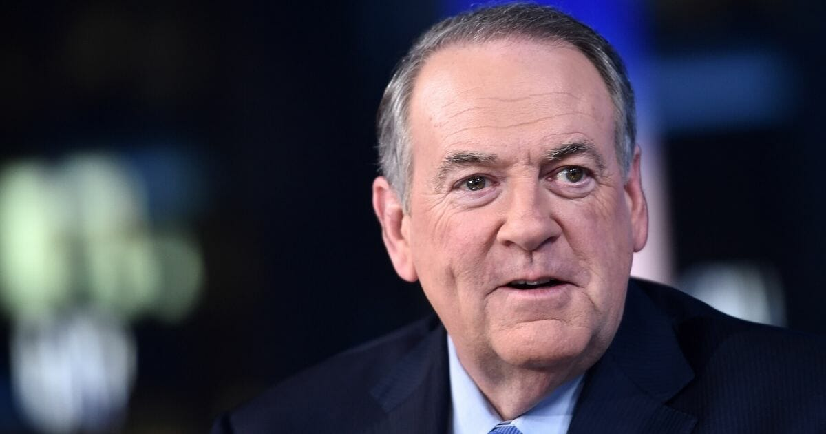 Huckabee: Too Bad Romney's Not President — Then He Could Be Impeached