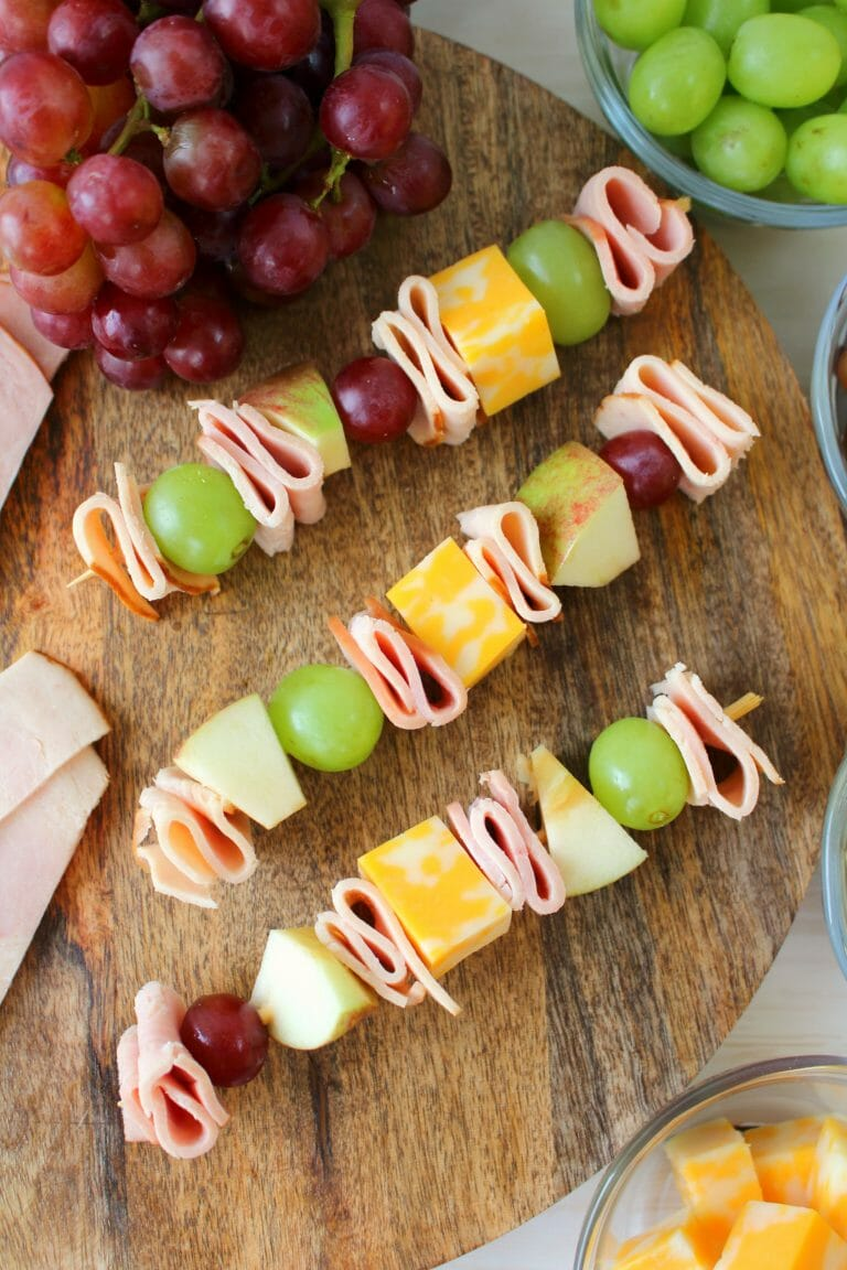 Easy back-to-school lunch: meat and cheese kabobs with fruit
