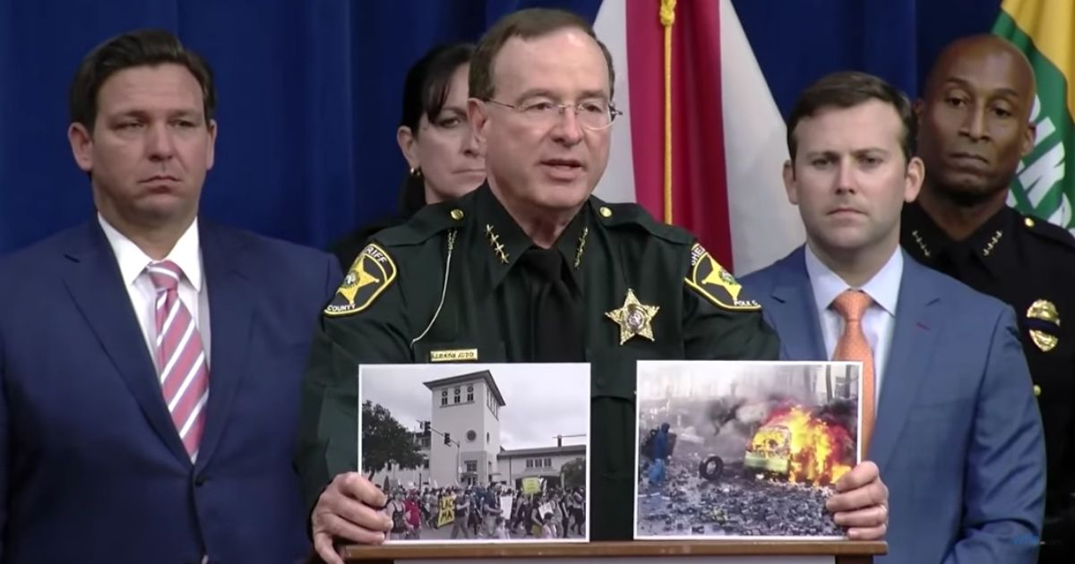 Florida Sheriff Uses Helpful Visual Aid To Educate Reporters on Difference Between Riots and Protests