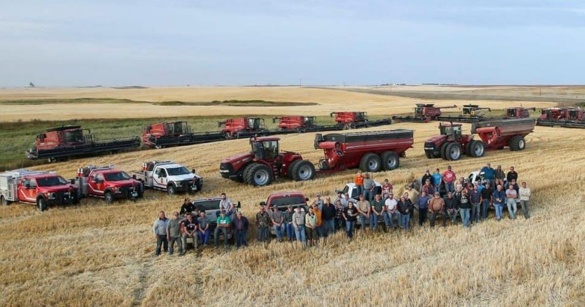 Farmers in North Dakota Finish Harvest for Neighbor After He Suffers Heart Attack